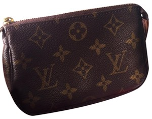 Louis Vuitton Louis Vuitton mini pochette
