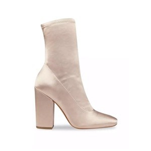 Kendall + Kylie blush Boots
