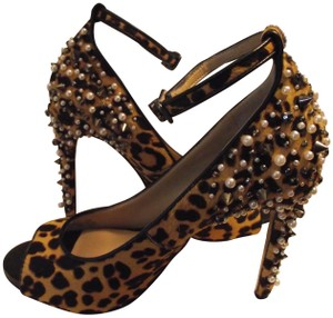 Gianni Bini Holiday Size 6.5 Pearls & Studs Leopard Sandals