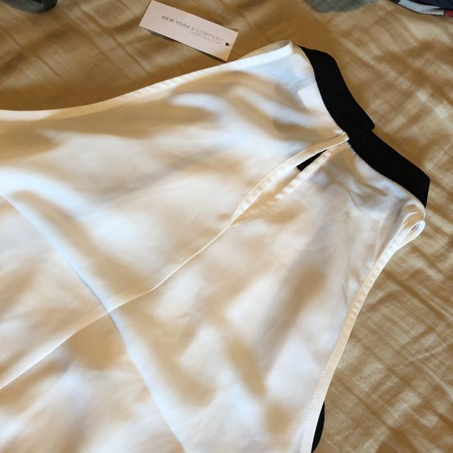 New York & Company Top white and black