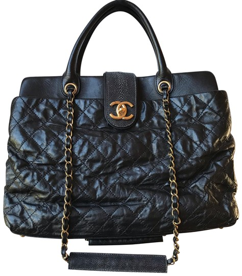 Preload https://img-static.tradesy.com/item/24486393/chanel-quilted-leather-with-large-bindi-tote-glazed-calfskin-and-stingray-shoulder-bag-0-1-540-540.jpg