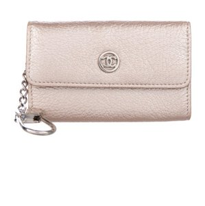 7e5eb09e7f8039 Chanel Flap Wallets - Up to 70% off at Tradesy (Page 4)
