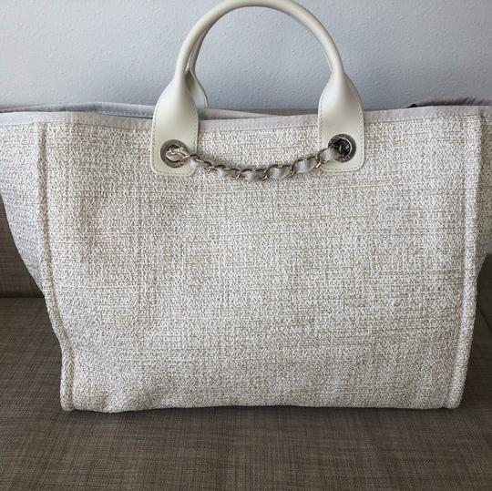 Chanel Chaneldeauville Chanel2019c Chanel2019handbag Tote in Ivory