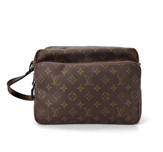 Preload https://img-static.tradesy.com/item/24486616/louis-vuitton-nile-vintage-shoulder-messenger-brown-monogram-canvas-leather-cross-body-bag-0-0-540-540.jpg