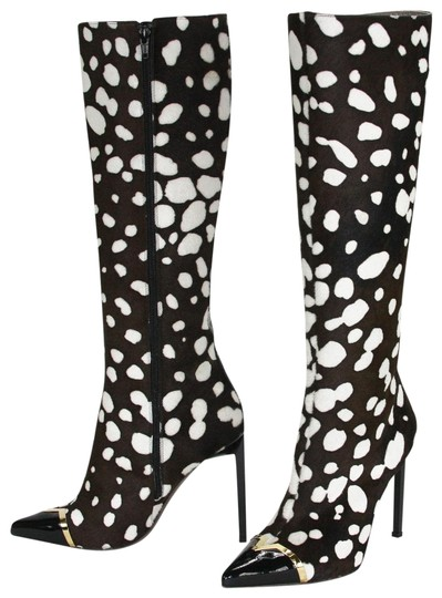 Preload https://img-static.tradesy.com/item/24486637/versace-black-and-white-leopard-print-collection-high-heel-tall-bootsbooties-size-us-8-regular-m-b-0-1-540-540.jpg