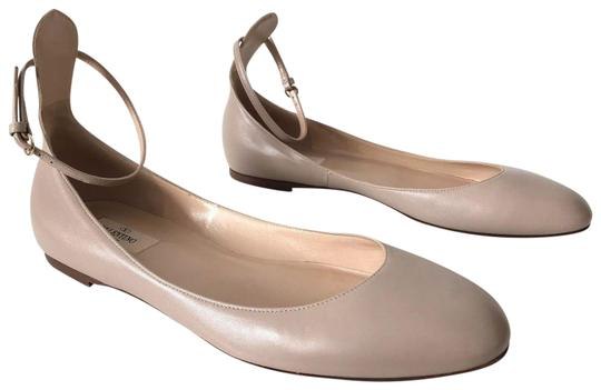 Preload https://img-static.tradesy.com/item/24486674/valentino-nude-garavani-tango-leather-ankle-wrap-ballet-flats-size-eu-40-approx-us-10-regular-m-b-0-1-540-540.jpg