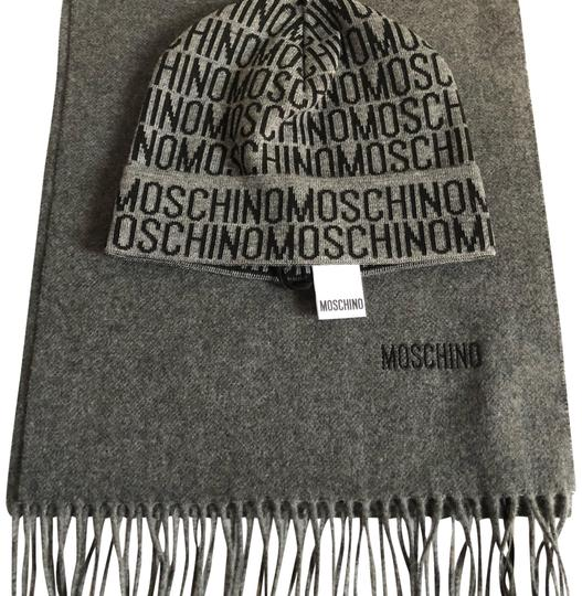 Preload https://img-static.tradesy.com/item/24486745/moschino-grey-unisex-and-scarf-set-hat-0-1-540-540.jpg