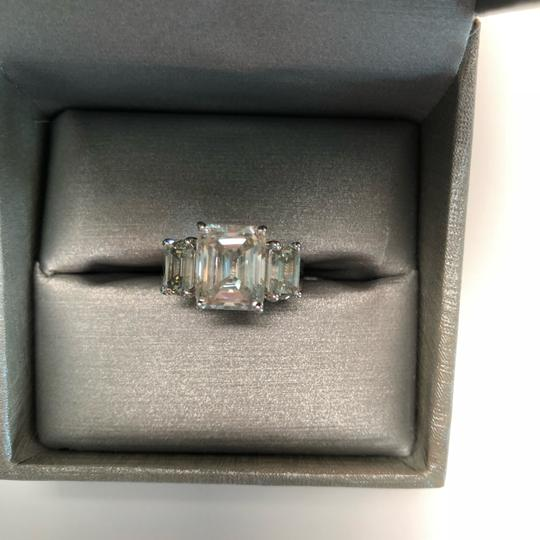 No Brand 6 CT MOISSANITE RING STERLING SILVER SIZE 6 Image 1