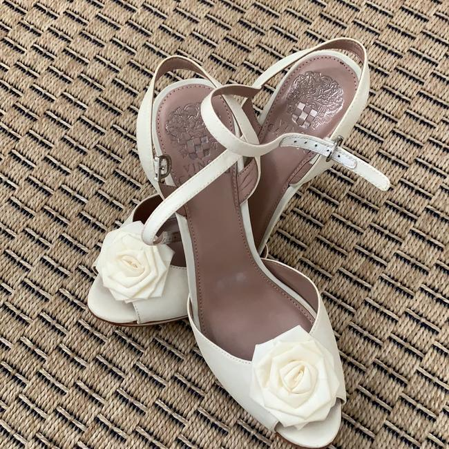 Vince Camuto Soft White Platforms Size US 8 Regular (M, B) Vince Camuto Soft White Platforms Size US 8 Regular (M, B) Image 1