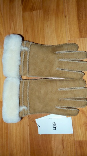 UGG Australia Genuine Dyed Shearling Bronte Gloves Image 1