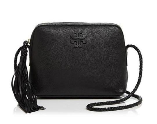 Preload https://img-static.tradesy.com/item/24491049/tory-burch-taylor-camera-black-pebbled-leather-cross-body-bag-0-0-540-540.jpg