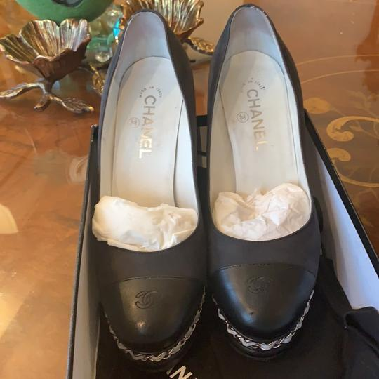 Chanel Pumps Image 11