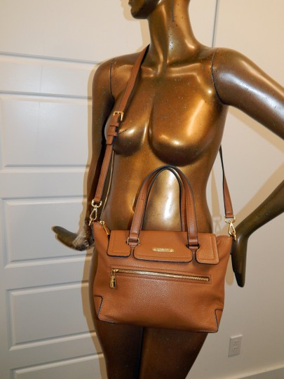 Michael Kors Luggage Leather Convertible Tote in Brown Image 1