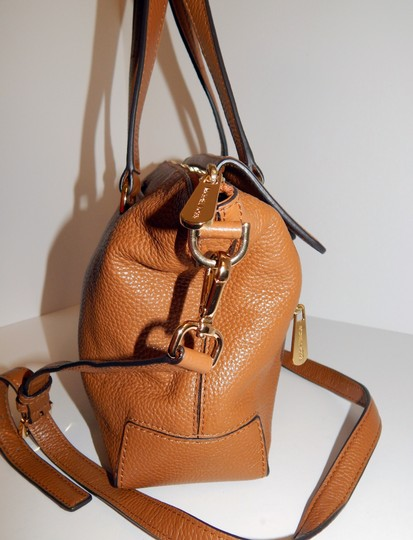 Michael Kors Luggage Leather Convertible Tote in Brown Image 4