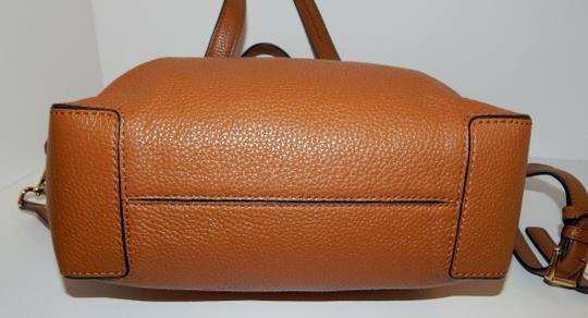 Michael Kors Luggage Leather Convertible Tote in Brown Image 7