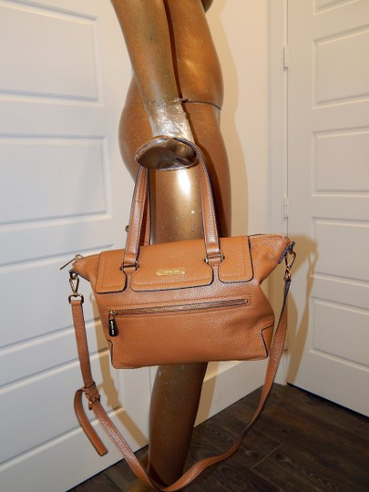 Michael Kors Luggage Leather Convertible Tote in Brown Image 9