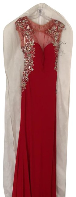 Item - Red Long Formal Dress Size 6 (S)