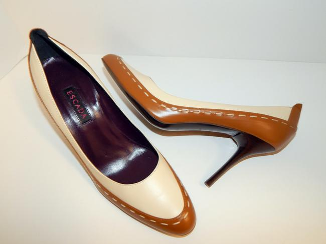 Escada Brown Ivory Two Tone Leather Pumps Size EU 39.5 (Approx. US 9.5) Regular (M, B) Escada Brown Ivory Two Tone Leather Pumps Size EU 39.5 (Approx. US 9.5) Regular (M, B) Image 2