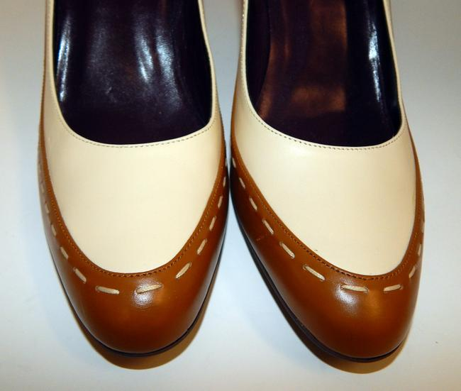 Escada Brown Ivory Two Tone Leather Pumps Size EU 39.5 (Approx. US 9.5) Regular (M, B) Escada Brown Ivory Two Tone Leather Pumps Size EU 39.5 (Approx. US 9.5) Regular (M, B) Image 3