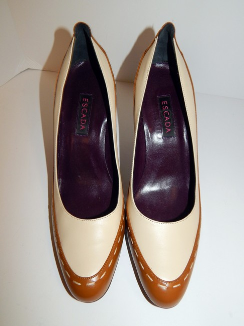 Escada Brown Ivory Two Tone Leather Pumps Size EU 39.5 (Approx. US 9.5) Regular (M, B) Escada Brown Ivory Two Tone Leather Pumps Size EU 39.5 (Approx. US 9.5) Regular (M, B) Image 6