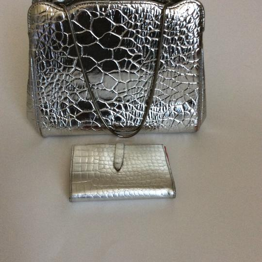 Roney Satchel in silver. Image 5