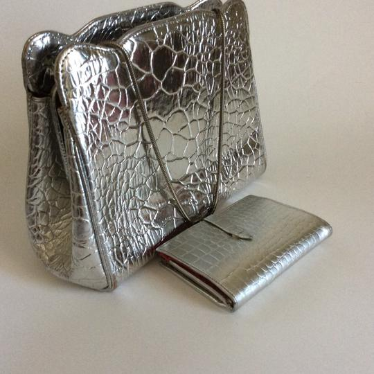 Roney Satchel in silver. Image 6