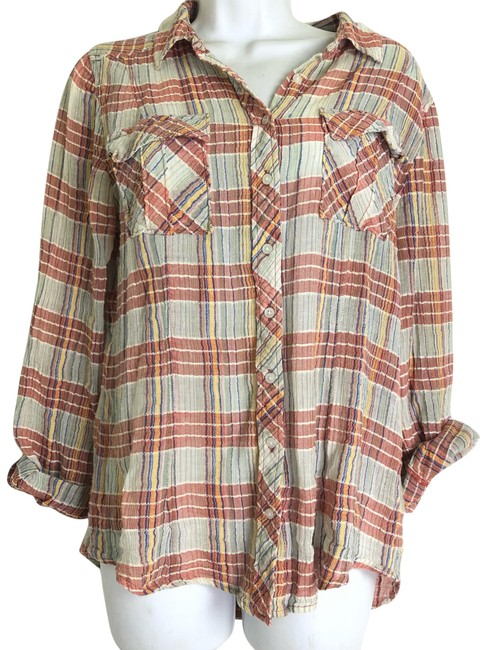 Preload https://img-static.tradesy.com/item/24492507/plaid-crinkle-blouse-button-down-top-size-6-s-0-1-650-650.jpg