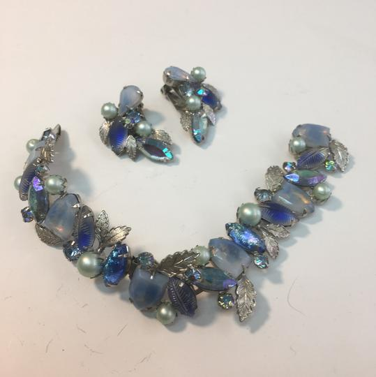 V Vintage blue & gray leaf bracelet & earring set Image 2