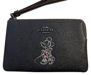 Coach Coach DISNEY X MINNIE MOUSE CORNER ZIP WRISTLET in DUSTBAG Black F3000
