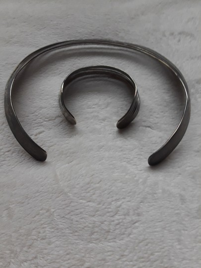 Other Silver choker with matching bracelet Image 2