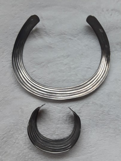 Other Silver choker with matching bracelet Image 3