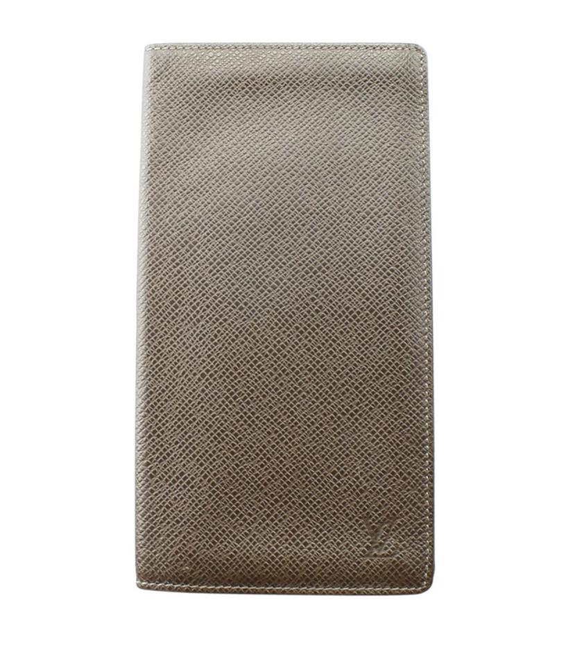 d2c66e6237c7 Louis Vuitton Louis Vuitton M31002 Porte Cartes Taiga Card Holder (161916)  Image 0 ...