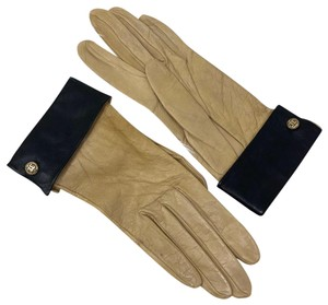 Chanel vintage Chanel tan lamb leather gloves