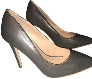 Journee Collection Pumps
