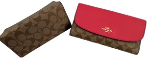 Coach Coach 57319 Signature PVC with Leather Checkbook wallet