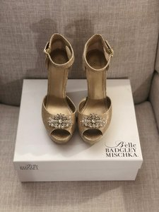 Badgley Mischka Gold Belle Metallic Sandals Wedges Size US 8.5 Regular (M, B)