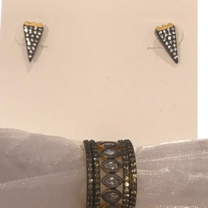 Freida Rothman arrow earrings & stackable rings