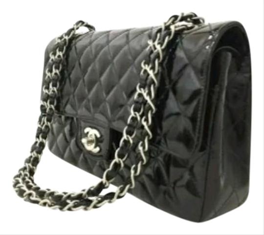 Preload https://img-static.tradesy.com/item/24498568/chanel-255-reissue-quilted-silver-cc-black-patent-leather-cross-body-bag-0-1-540-540.jpg