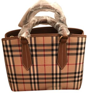 Burberry Ballingdon Horseferry Leather Tote in Honey / Tan