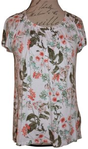 Jaclyn Smith Flowy Tee Shirt Pretty Flowers Top White, Red, Green