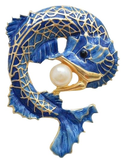 Other Fish Faux Pearl Brooch