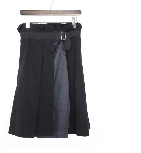 Preload https://img-static.tradesy.com/item/24499548/tricot-comme-des-garcons-black-pleated-wool-skirt-size-6-s-28-0-0-650-650.jpg