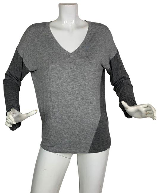 Preload https://img-static.tradesy.com/item/24499701/tahari-rayon-v-neck-two-tones-women-size-m-gray-sweater-0-1-650-650.jpg