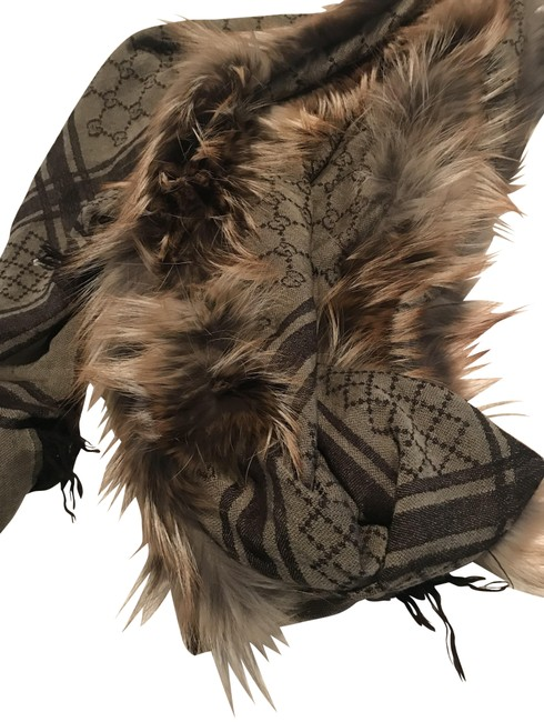 Item - Brown and Tawny Scarf with Fox Trim Poncho/Cape Size OS