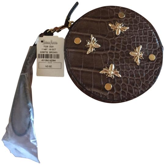 Preload https://img-static.tradesy.com/item/24499759/neiman-marcus-ostrich-coin-purse-brown-faux-leather-wristlet-0-1-540-540.jpg