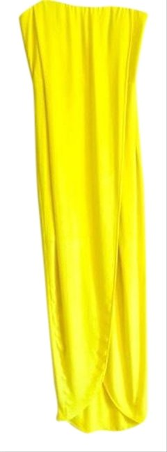 Preload https://img-static.tradesy.com/item/24499830/bcbgmaxazria-chartreuse-lime-long-formal-dress-size-4-s-0-1-650-650.jpg