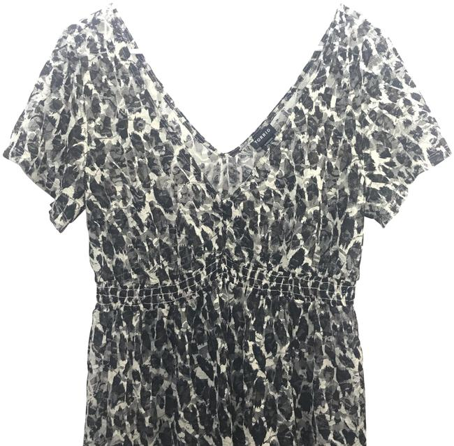 Preload https://img-static.tradesy.com/item/24499889/torrid-black-and-white-gathered-and-short-sleeve-tunic-blouse-size-20-plus-1x-0-1-650-650.jpg