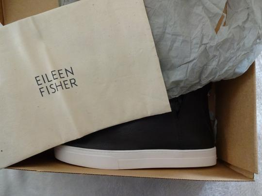 Eileen Fisher Grip Sole Zip Closure Cut Out Shaft Leather Round Toe Black Athletic