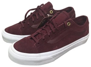 e158fa0ac559c1 Red Vans Sneakers - Up to 90% off at Tradesy