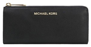 Michael Kors MICHAEL KORS Jet Set Travel Wallets Leather Three Quarter Zip